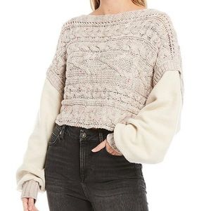 Cable Knit W/ Fleece Sleeve Cropped Sweater